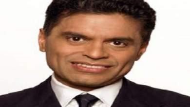 Photo of توقيف كاتب أمريكي مشهور اعترف بسرقة مقال صحافي