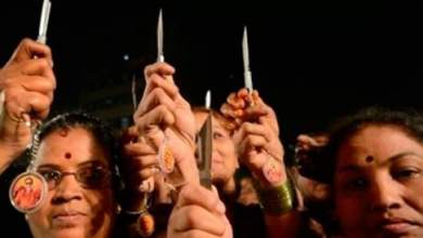 Photo of حزب سياسي في الهند يوزع سكاكين على النساء