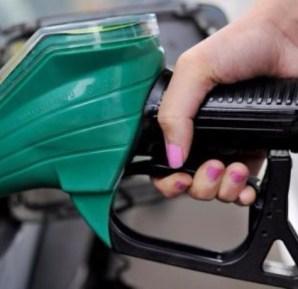 أسعار النفط عند أعلى مستوى منذ أكتوبر وسط توقعات بخفض (أوبك) للإنتاج