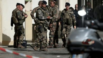 Photo of ضواحي باريس.. اعتقال مشتبه به في تنفيذ عملية دهس عسكريين
