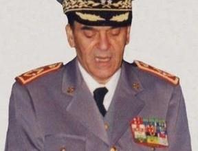 Photo of تشييع جثمان الراحل الجنرال دوكور دارمي عبد الحق القادري بحضور ولي العهد الأمير مولاي الحسن