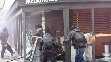 Photo of فيديو عيد الشغل بفرنسا: عنف ومواجهات دامية وتخريب لمرافق خاصة وعمومية بباريس