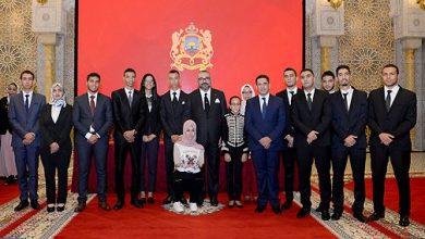 Photo of أساتذة وأطر تربوية يثمنون العناية الخاصة التي يحيط بها الملك أسرة التربية والتكوين