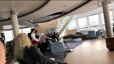 Photo of فيديو.. لحظات مرعبة من داخل السفينة النرويجية بعد توقف محركاتها