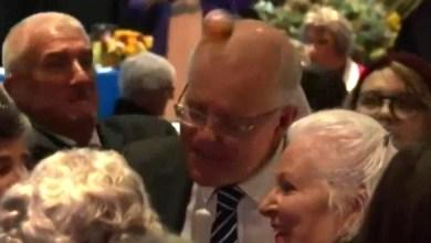 Photo of شاهد | رشق رئيس وزراء أستراليا بالبيض خلال حملته الانتخابية