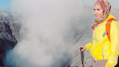 "Photo of المغربية ""شيماء انجوم"" تتحدى الخوف عند بركان ""جبل برومو"" في إندونيسيا"