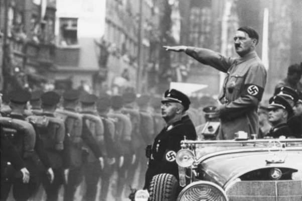 Photo of بالفيديو…سيارة تدهس هتلر ، فكيف سوف نفسر ذلك