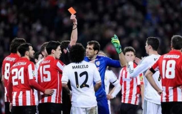 Photo of تقرير الحكم: رونالدو وجه صفعة للمدافع والعقوبة إيقاف 4-12 مباراة