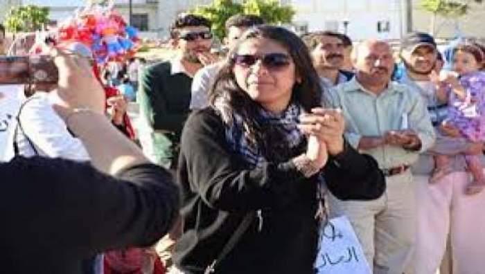 Photo of إحالة الناشطة الفبرارية وفاء شرف على المحكمة بتهمة التبليغ عن جريمة تعذيب لم تقع