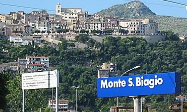 Monte San Biagio. Investito da un furgone muore schiacciato