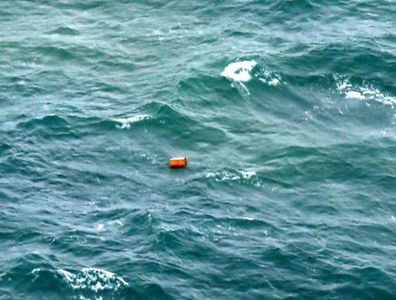 Sabaudia. Ritrovati alcuni resti dell'aereo scomparso in mare
