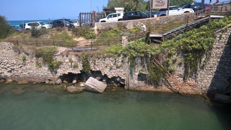 Sabaudia. Il sindaco Gervasi ordina la chiusura la passerella al Lago di Paola