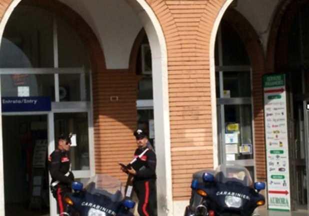 Aprilia. Bravata con arresto per un rumeno