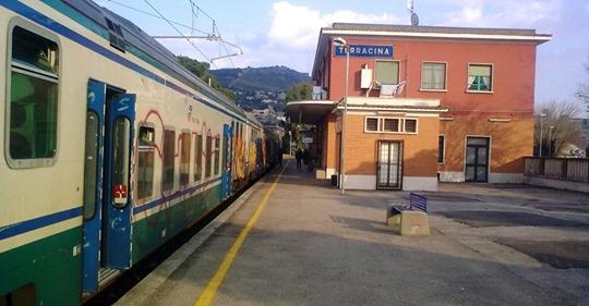 Terracina – stazione FS: Binario triste e solitario… da sette anni