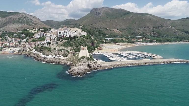 """Nasce """"Delfine Sperlonga"""", l'azienda tra privati per salvare le spiagge locali"""