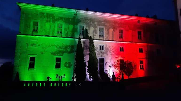Regione Lazio: Palazzo Doria Pamphilj  a San Martino al Cimino si illumina con il tricolore