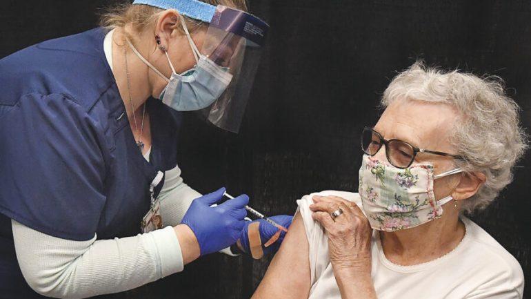 Latina: gli under 80 in fila per il vaccino covid