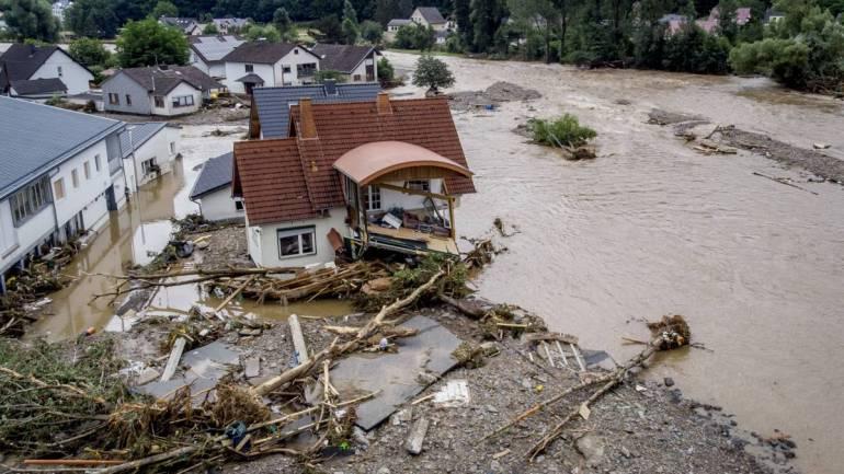 Alluvione Germania, i geologi: una tragedia che si verifica 34 anni dopo il disastro in Valtellina