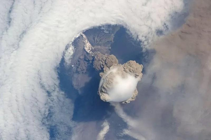 Vulcão Sarychev - Russia