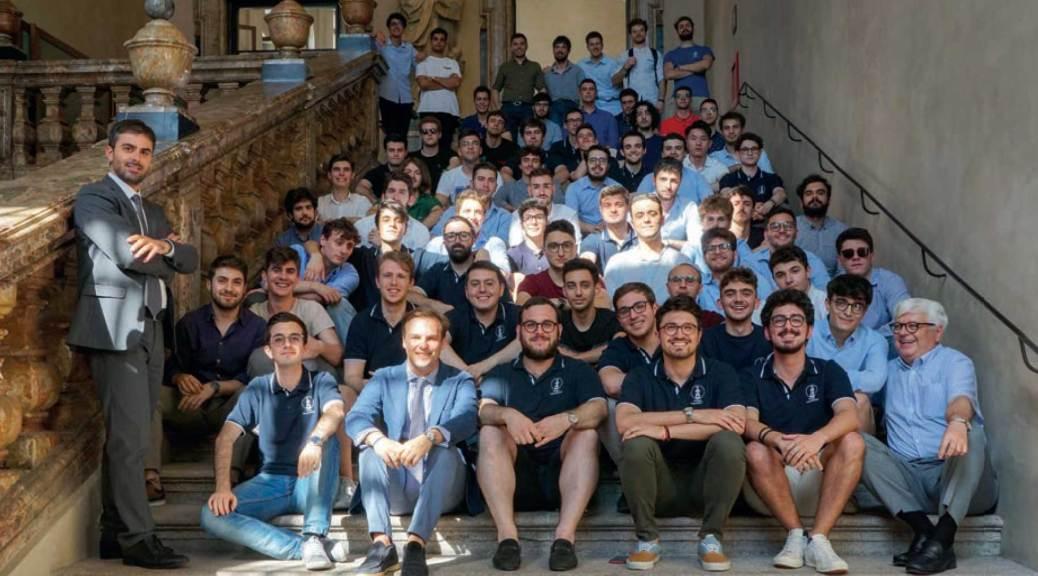 Foto di gruppo in università 2019