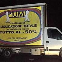 Camion vela negozio Piumi liquidazione totale