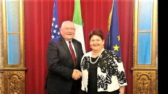 Il Segretario di Stato americano Sonny Perdue e la ministra Teresa Bellanova durante l'incontro bilaterale