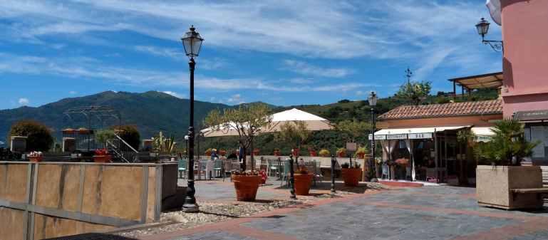 Piazza Carducci a Civezza