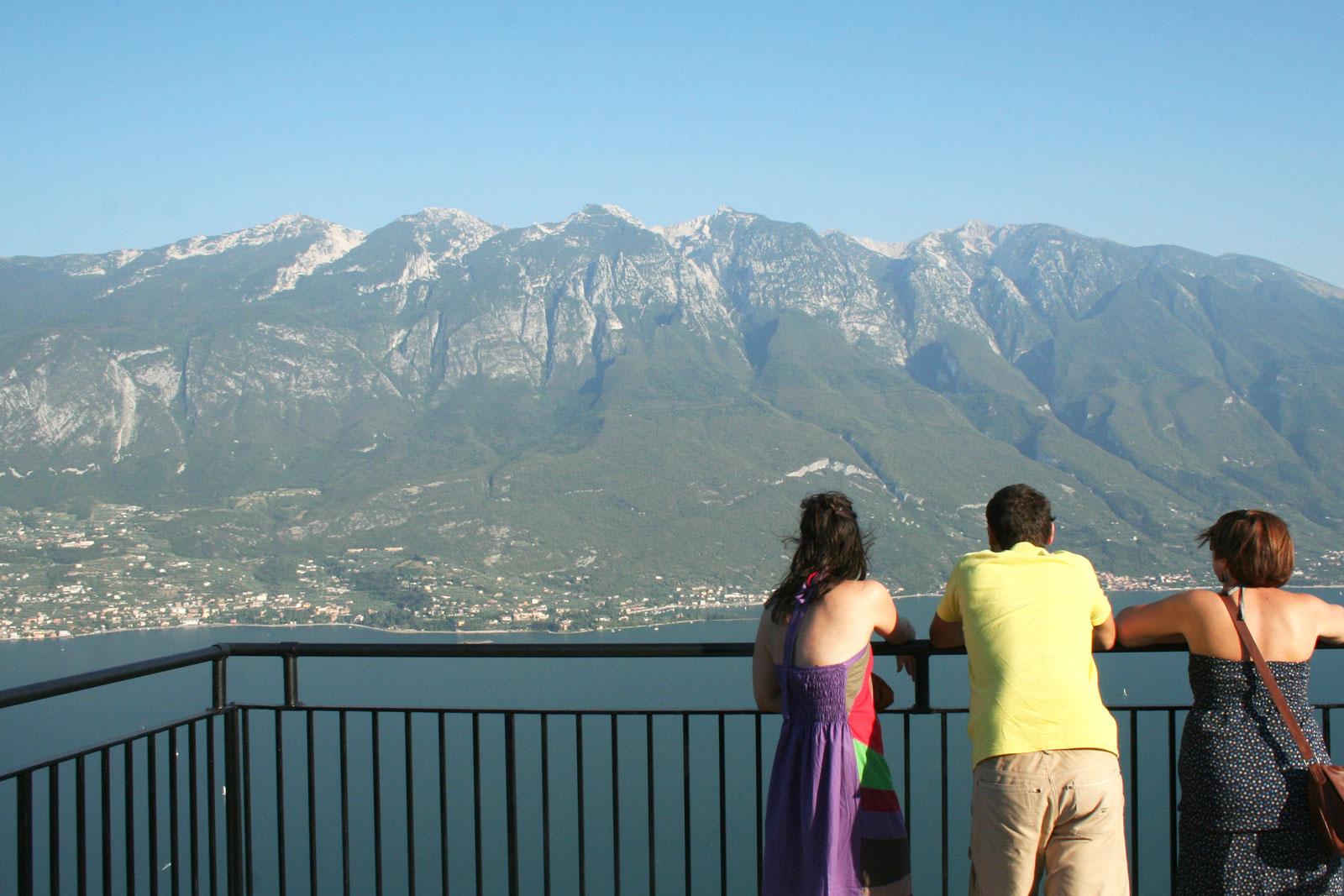 Stunning La Terrazza Del Brivido A Tremosine Images - Idee ...