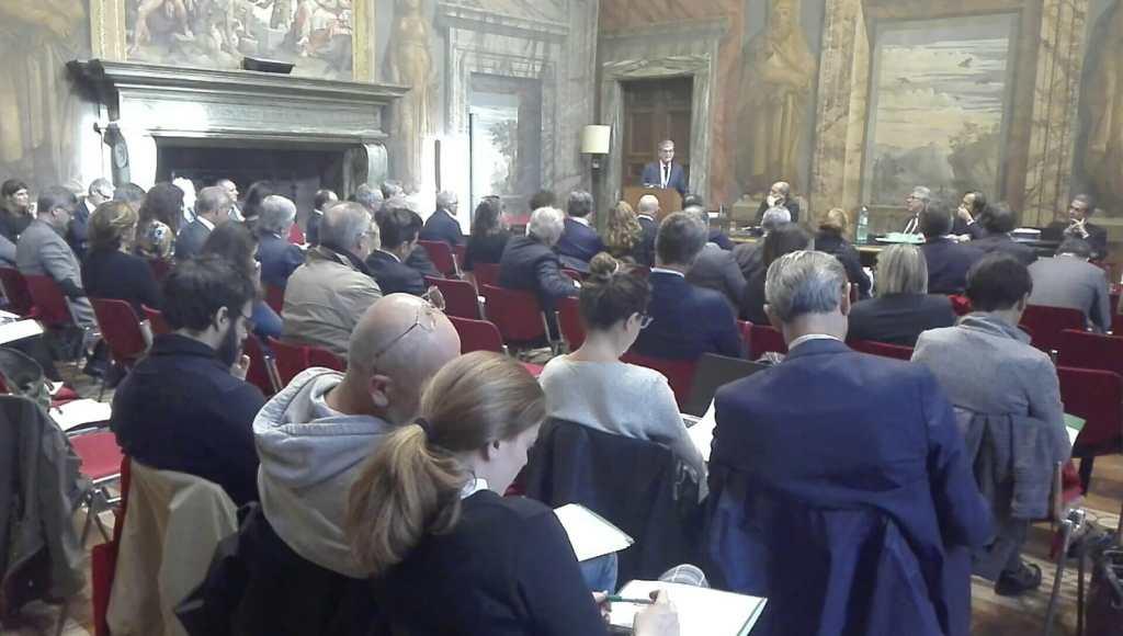 10 Folto pubblico professionale durante l'intervento di Salvatore Rebecchini presidente