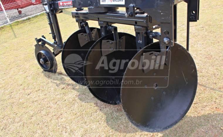 Arado Reversível Hidráulico 3 Discos – Baldan > Novo - Arado - Baldan - Agrobill - Tratores, Implementos Agrícolas, Pneus