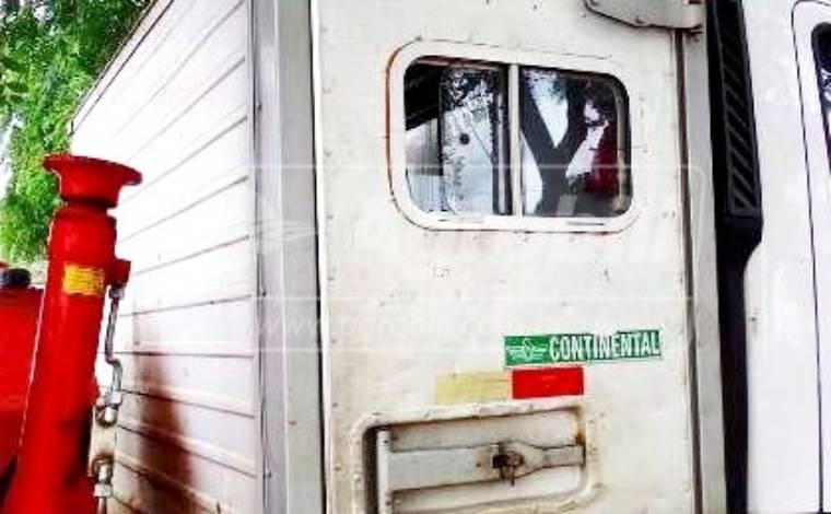 Cabine Para Transporte De Pessoas – Acoplamento Caminhão > Usado - Equipamentos Diversos - Personalizado - Agrobill - Tratores, Implementos Agrícolas, Pneus