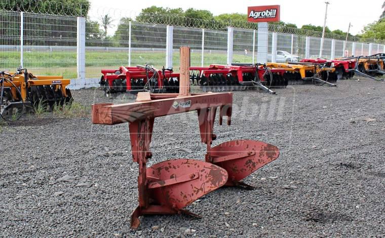 Arado 2 Aivecas – Tatu > Usado - Arado de Discos e Aivecas - Tatu Marchesan - Agrobill - Tratores, Implementos Agrícolas, Pneus