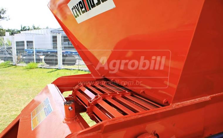 Distribuidor de Fertilizantes e Compostos Orgânicos DFCO 10.5 / Com Pneus / Acionamento Hidráulico – Civemasa > Novo - Distribuidor de Calcário - Civemasa - Agrobill - Tratores, Implementos Agrícolas, Pneus