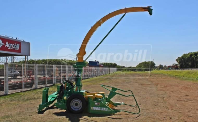 Colhedora de Forragens JF 1600 AT > Nova - Colhedora de Forragens / Forrageira - JF - Agrobill - Tratores, Implementos Agrícolas, Pneus