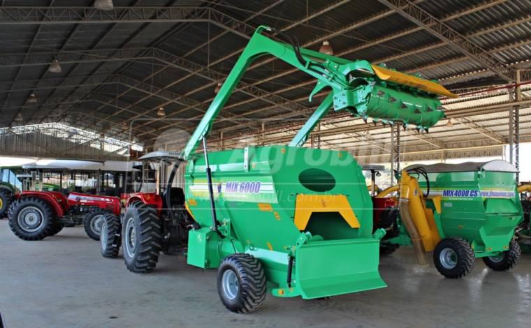 Vagão Misturador JF MIX 6000 / com Balança / com Desensilador > Novo - Vagão Misturador - JF - Agrobill - Tratores, Implementos Agrícolas, Pneus