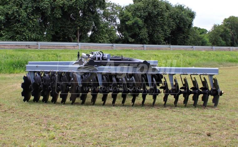 Grade Niveladora Controle Remoto NVCR 40 x 22″ x 175 mm / com Discos Recortados – Baldan > Nova - Grades Niveladoras - Baldan - Agrobill - Tratores, Implementos Agrícolas, Pneus