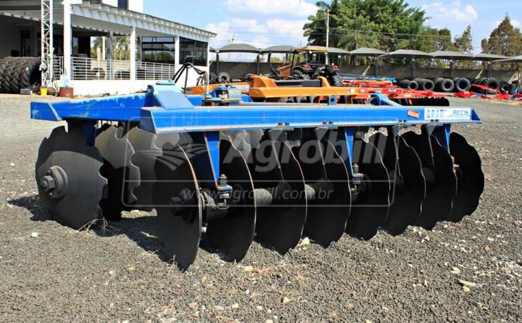 Grade Aradora Pesada de Arrasto GPAR 16 Discos – Piccin > Usada - Grades Aradoras - Piccin - Agrobill - Tratores, Implementos Agrícolas, Pneus