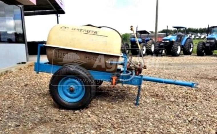 Pulverizador de Fibra 1.200 Litros com Bomba / Hatsuta – Usado - Pulverizadores - Hatsuta - Agrobill - Tratores, Implementos Agrícolas, Pneus