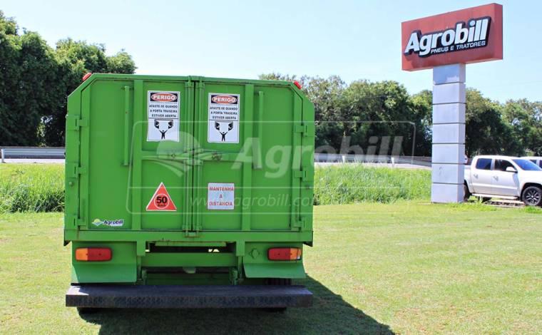Vagão Coletor de Lixo VCP 2.500 – Pinheiro > Seminovo - Vagão Coletor de Lixo - Pinheiro - Agrobill - Tratores, Implementos Agrícolas, Pneus