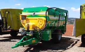 Vagão Misturador JF MIX 8000 / com Balança e Desensilador > Novo - Vagão Misturador - JF - Agrobill - Tratores, Implementos Agrícolas, Pneus