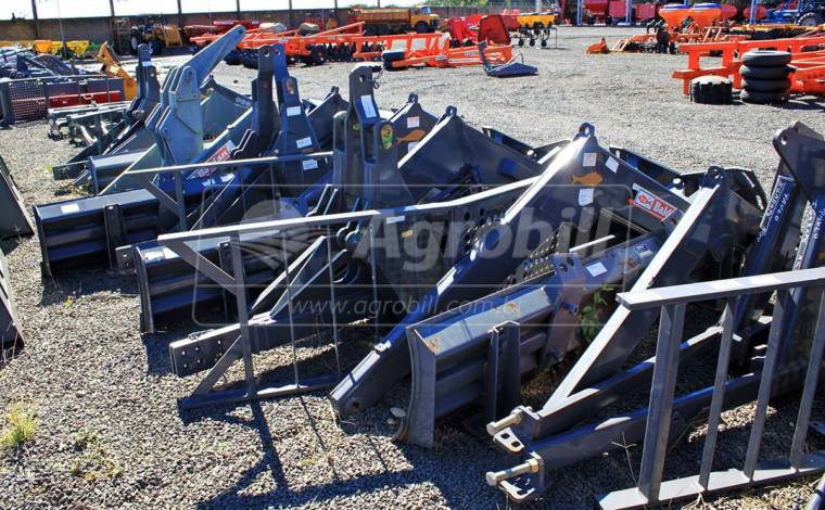 Conjunto de Lâmina PDM / BT para Tratores Massey Ferguson 4292 e 4292 HD – Baldan > Novo - Conjunto para Massey Ferguson - Baldan - Agrobill - Tratores, Implementos Agrícolas, Pneus