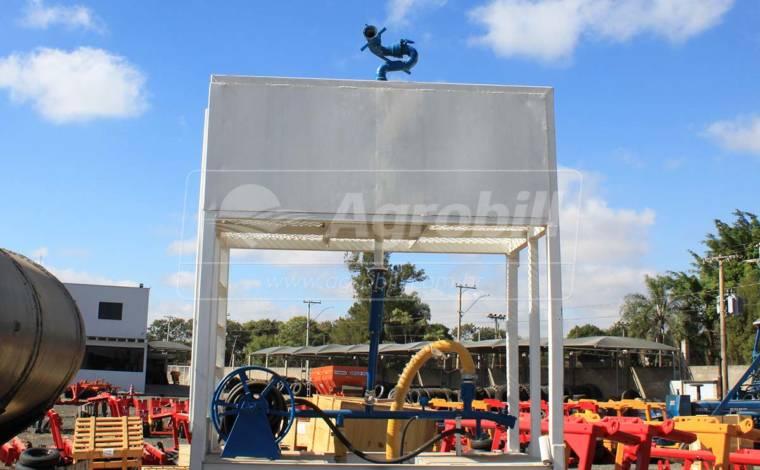 Plataforma de Incêndio / Retirada do Caminhão > Usada - Bomba de Água - Personalizado - Agrobill - Tratores, Implementos Agrícolas, Pneus