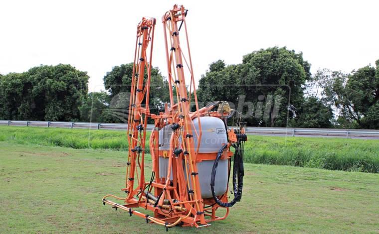 Pulverizador Condor Pec 800 Litros AM 14 de Barras – Jacto > Usado - Pulverizadores - Jacto - Agrobill - Tratores, Implementos Agrícolas, Pneus