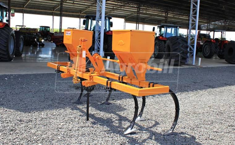 Cultivador de Enxadas / 2 linhas   – Tatu > Usado - Cultivadores - Tatu Marchesan - Agrobill - Tratores, Implementos Agrícolas, Pneus
