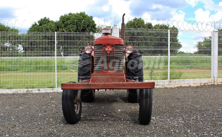 Trator Massey 65X 4×2 ano 1975 – unico dono, canela quadrada. - Tratores - Massey Ferguson - Agrobill - Tratores, Implementos Agrícolas, Pneus