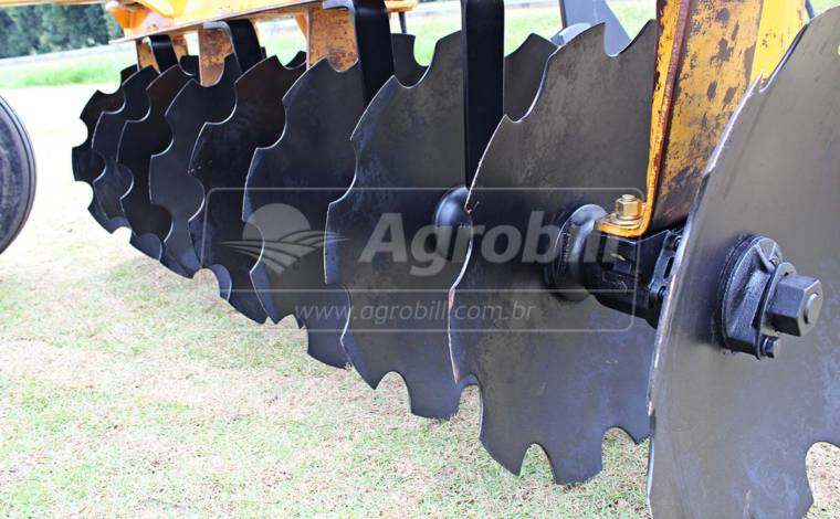 Grade Aradora Intermediária CRI 18 Discos – Baldan > Usada - Grades Aradoras - Baldan - Agrobill - Tratores, Implementos Agrícolas, Pneus