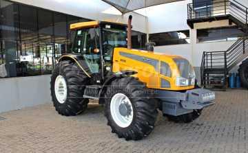 Trator Valtra BH 180 4×4 ano 2013 com 2027 horas. - Tratores - Valtra - Agrobill - Tratores, Implementos Agrícolas, Pneus