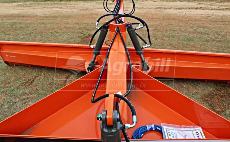 Plaina Niveladora Agrícola LTM 5000 Mecânica / Comando Duplo/ Com Pneus – Civemasa > Nova - Plaina Niveladora Agrícola - Civemasa - Agrobill - Tratores, Implementos Agrícolas, Pneus