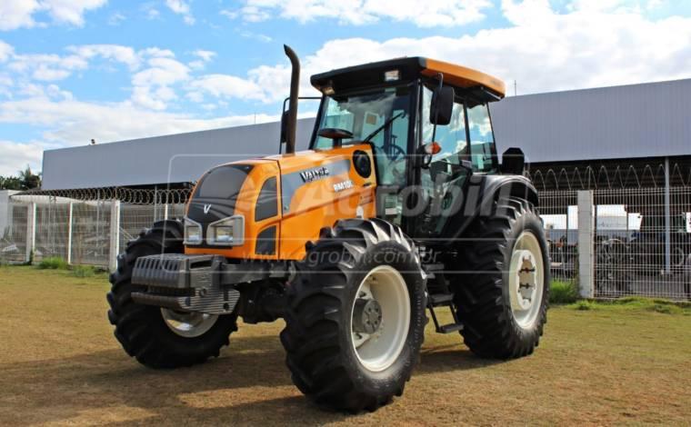 Trator Valtra BM 100 4×4 ano 2017 com Redutor de velocidade ( creeper ) - Tratores - Valtra - Agrobill - Tratores, Implementos Agrícolas, Pneus