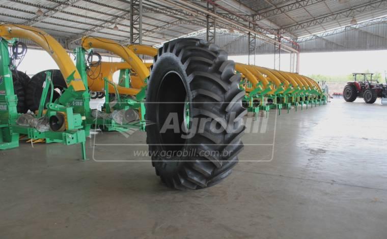 Pneu 18.4×30 / 10 Lonas – Pirelli – TM 95 > Novo * Preço Avista Para Retirada Em Loja * - 18.4x30 - Pirelli - Agrobill - Tratores, Implementos Agrícolas, Pneus